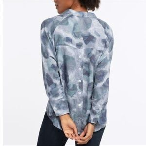 Nic+Zoe Printed Blouse Button Back Blue Gray Small